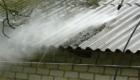 Очистка крыши от мха